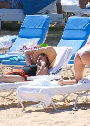 Kate Hudson in White Bikini 2016 -58