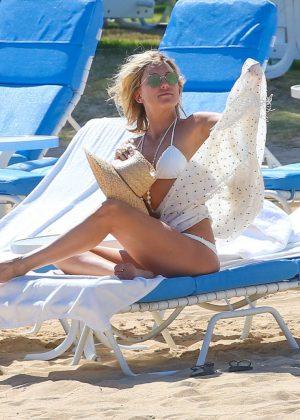 Kate Hudson in White Bikini 2016 -59