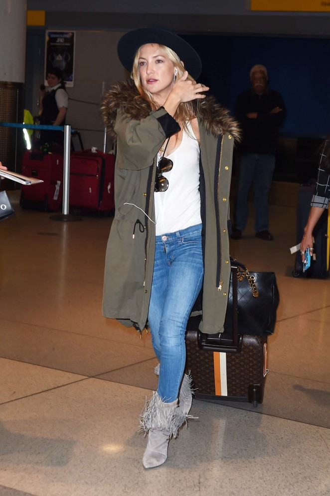 Kate Hudson – JFK airport in NYC