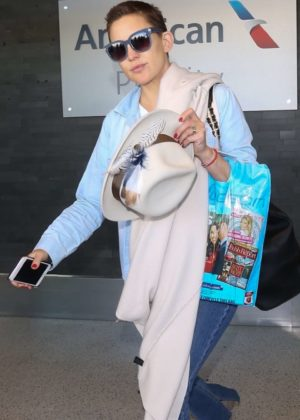 Kate Hudson - LAX airport Los Angeles