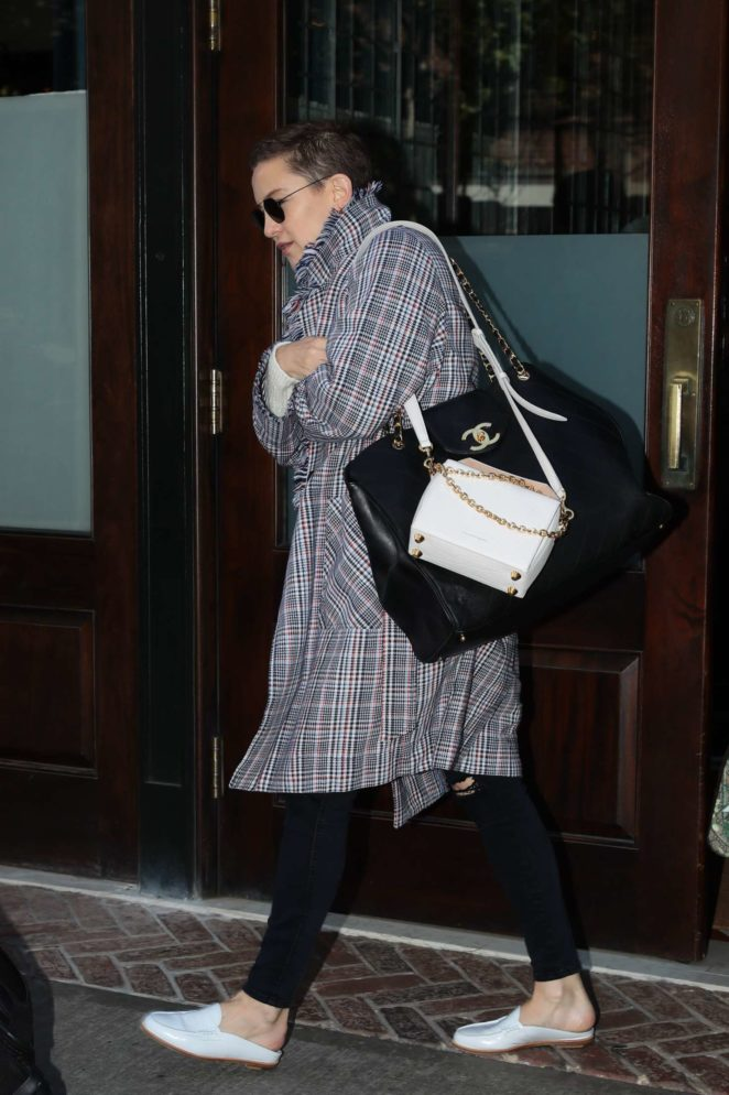 Kate Hudson leaves her hotel in New York
