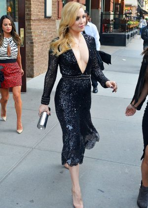 Kate Hudson Leaving her apartment in New York