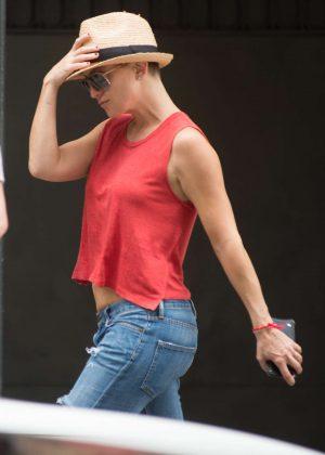 Kate Hudson on 'Sister' set in Los Angeles
