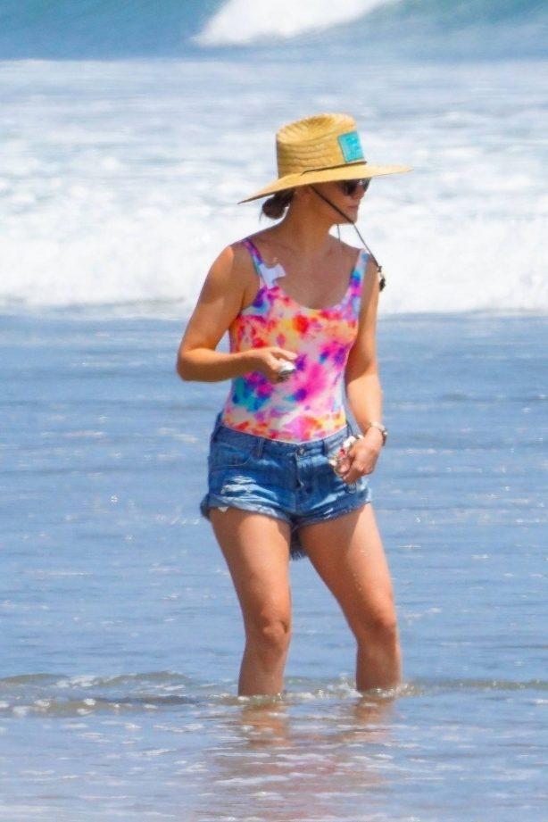 Kate Hudson on the beach in Malibu