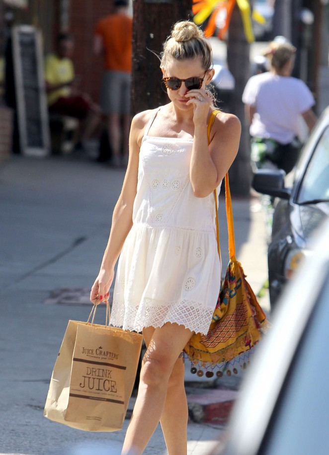 Kate Hudson – Out and about in LA