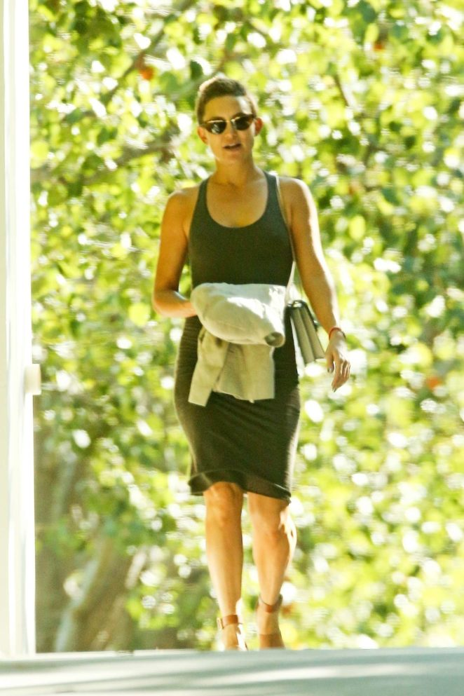 Kate Hudson - Out in Malibu