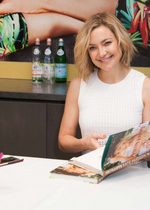 Kate Hudson: Pretty Happy Book Signing -01