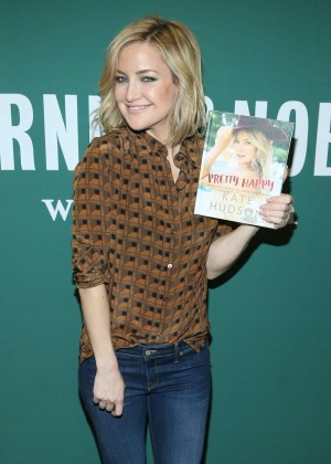 Kate Hudson - Promotes her new book 'Pretty Happy: Healthy Ways to Love Your Body' in NYC