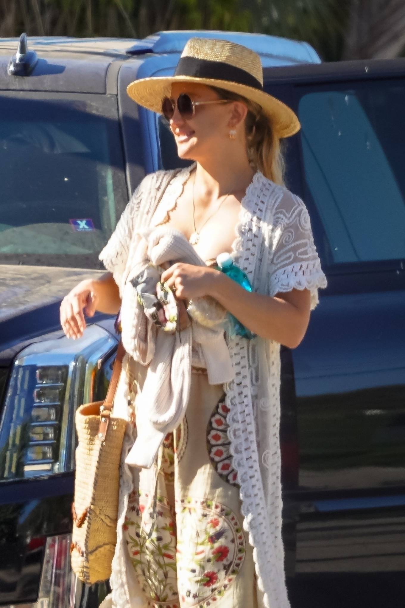 Kate Hudson - Seen after a pool party in Malibu