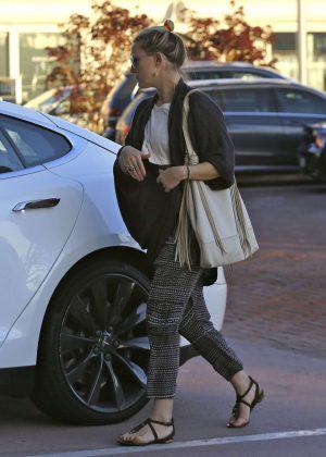 Kate Hudson: Shopping in Malibu -03