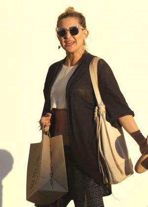 Kate Hudson: Shopping in Malibu -04