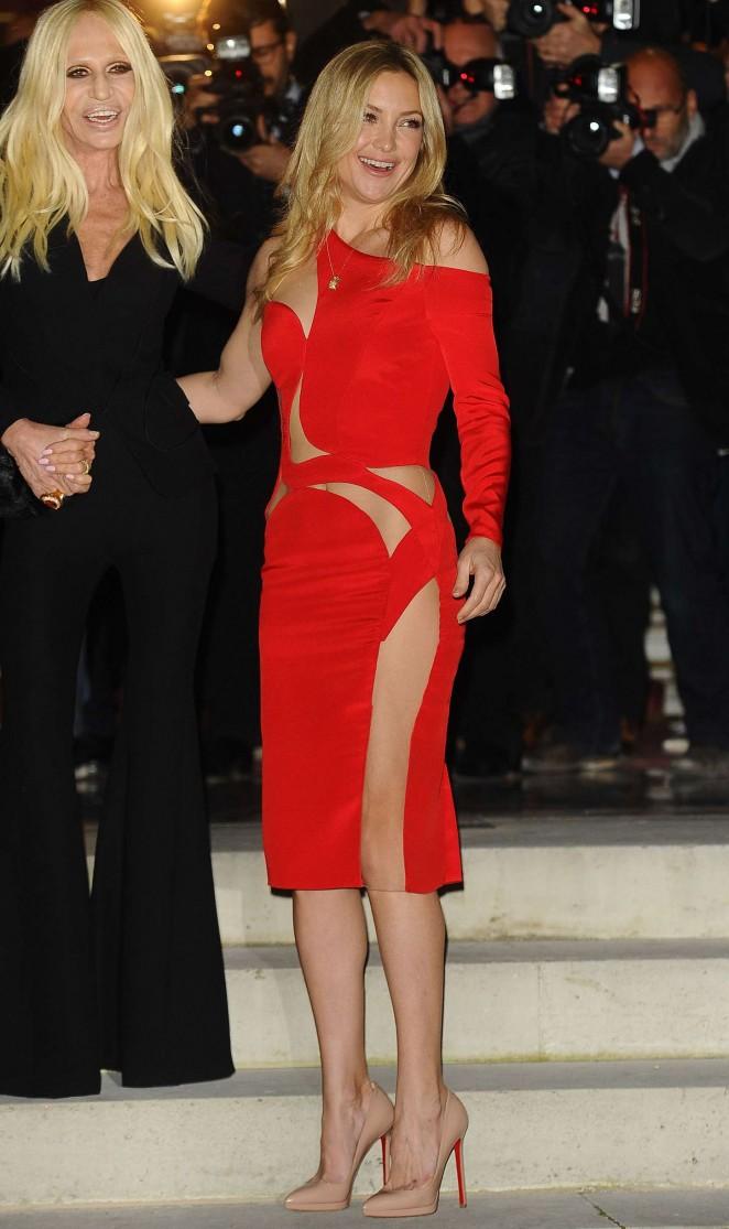 Kate Hudson Versace Fashion Show 2015 46 Gotceleb