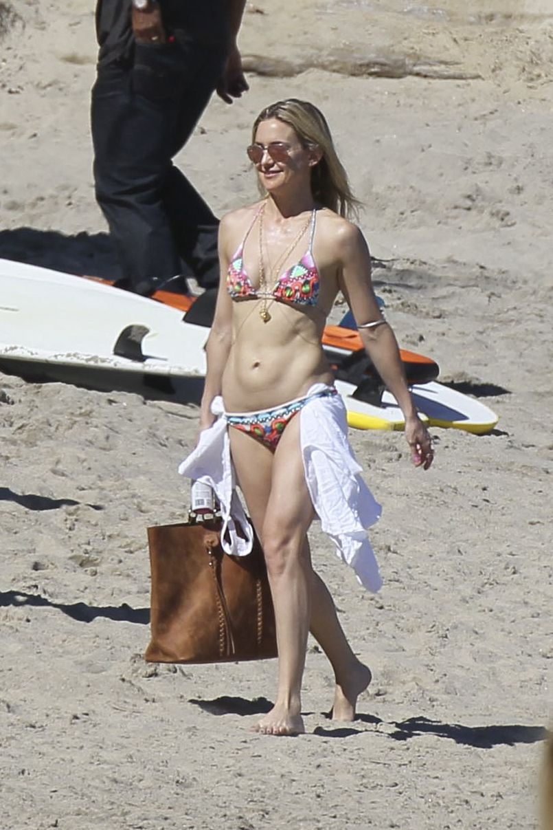 Kate-Hudson-in-Bikini--27.jpg