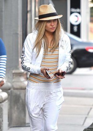 Kate Hudson with a wig and hat as she leaves the set of 'Sister' in LA