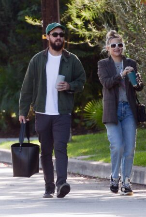 Kate Hudson - With Danny Fujikawa step out in Los Angeles