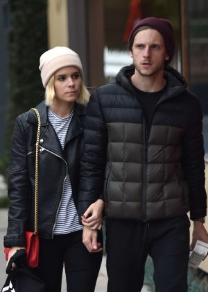 Kate Mara and Jamie Bell at Christmas Shopping in West Hollywood