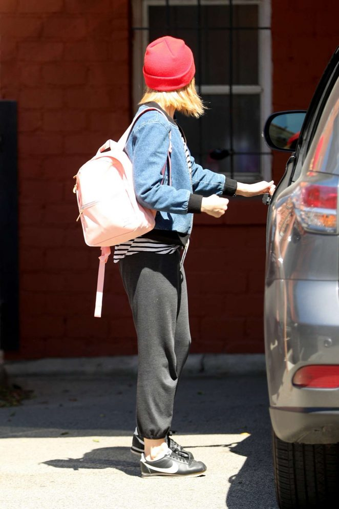 Kate Mara: Leaving a Workout -06