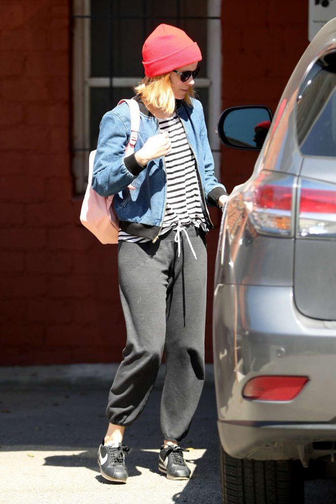 Kate Mara: Leaving a Workout -09