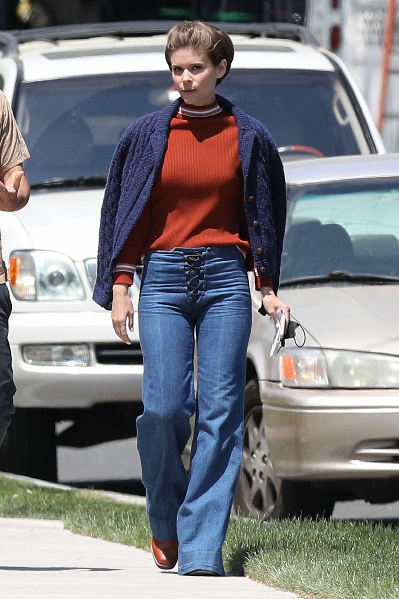 Kate Mara 2021 : Kate Mara – on set with Chris Messina in Hartford-04