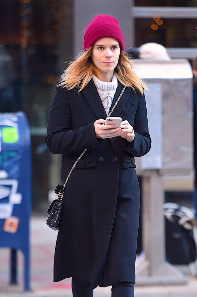 Kate Mara - Out for a stroll in NYC