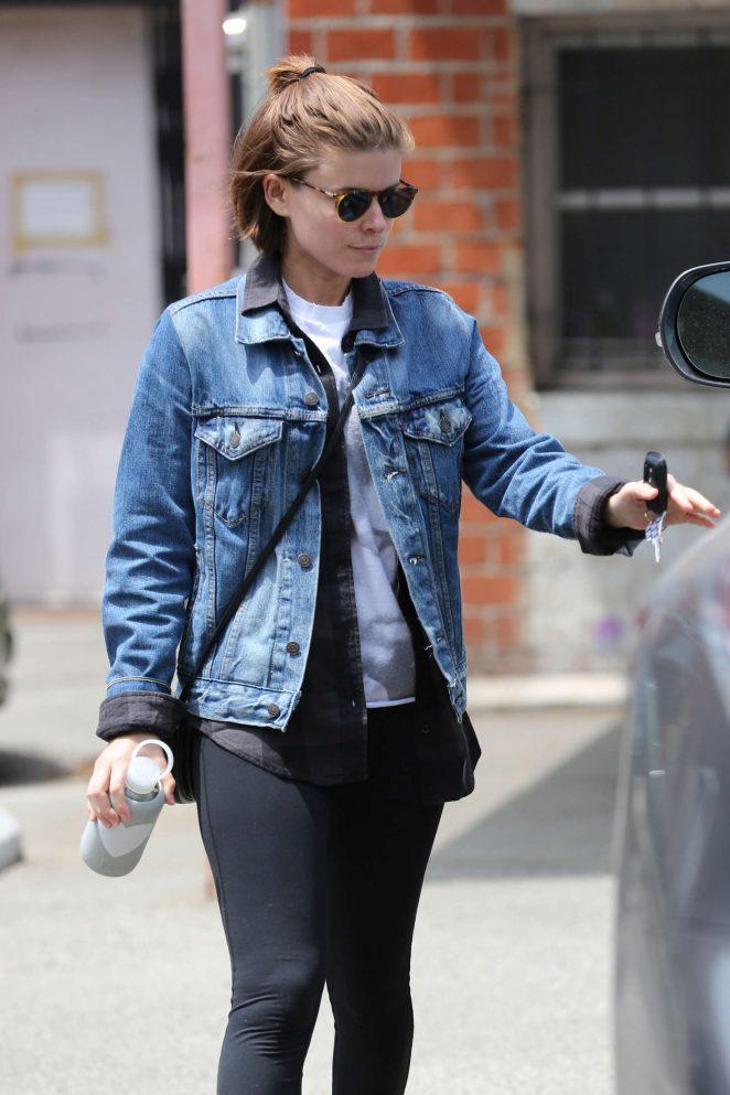 Kate Mara in Tight Leggings -10