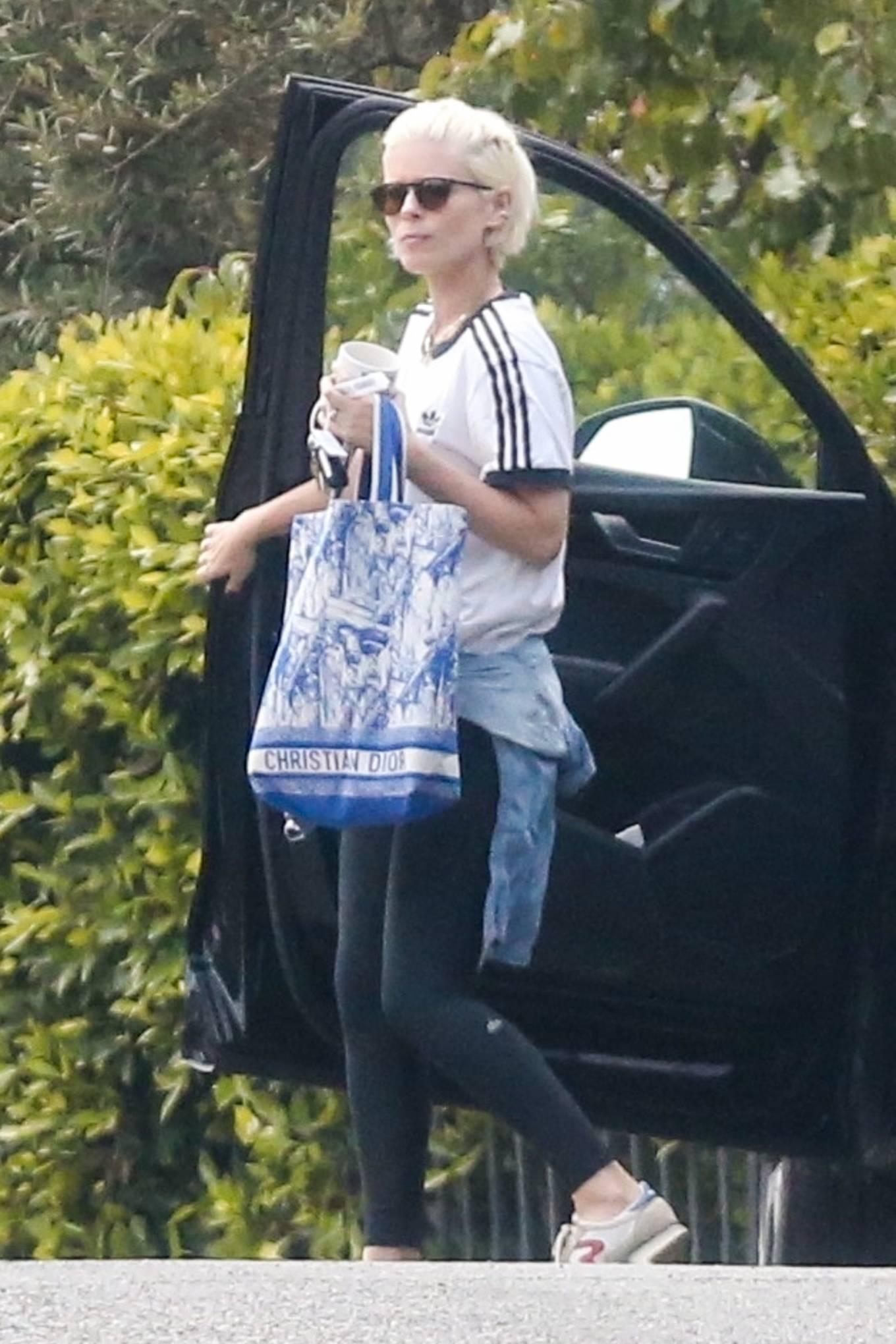 Kate Mara - Seen running errands in Los Feliz