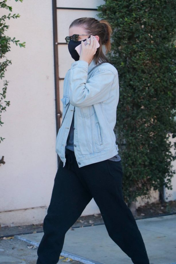 Kate Mara - steps out in Los Angeles
