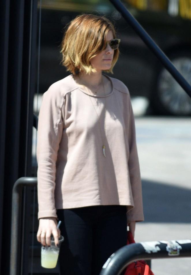 Kate Mara in Jeans -02