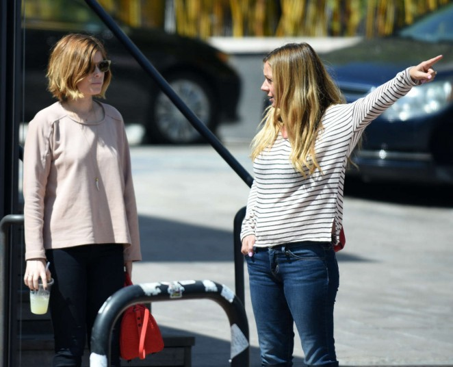 Kate Mara in Jeans -04