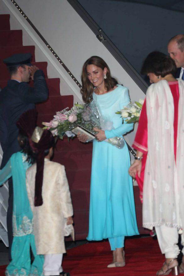 Kate Middleton 2019 : Kate Middleton – Arrives at Kur Khan airbase in Rawalpindi-02