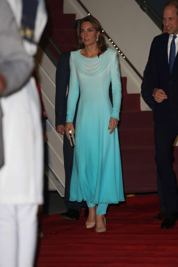 Kate Middleton 2019 : Kate Middleton – Arrives at Kur Khan airbase in Rawalpindi-09