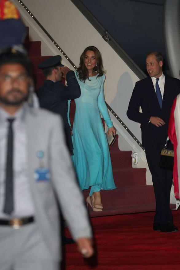 Kate Middleton 2019 : Kate Middleton – Arrives at Kur Khan airbase in Rawalpindi-15