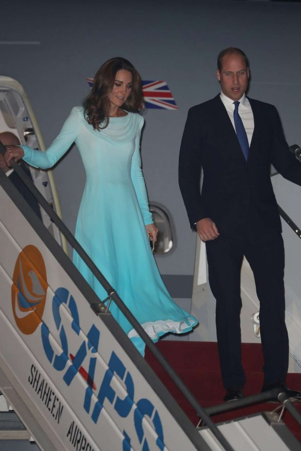 Kate Middleton 2019 : Kate Middleton – Arrives at Kur Khan airbase in Rawalpindi-33