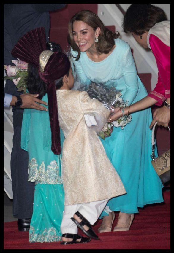 Kate Middleton 2019 : Kate Middleton – Arrives at Kur Khan airbase in Rawalpindi-34