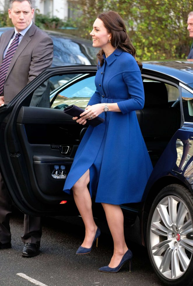 Kate Middleton - Arrives at the Early Year Parenting Unit in North London