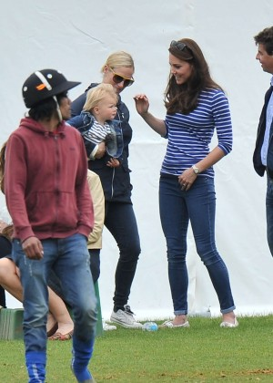 Kate Middleton Booty in Jeans -01