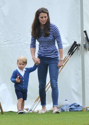 Kate Middleton Booty in Jeans -03