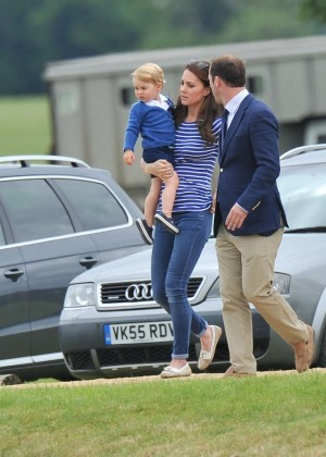 Kate Middleton Booty in Jeans -05