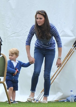 Kate Middleton Booty in Jeans -06
