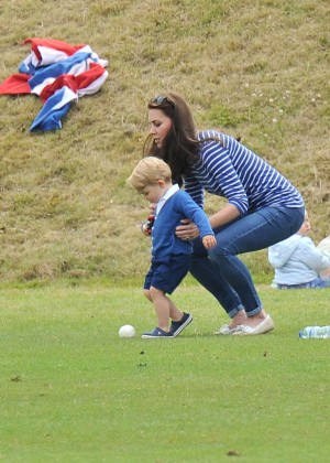 Kate Middleton Booty in Jeans -07
