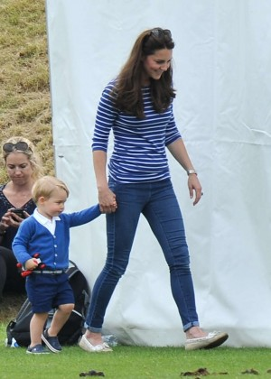 Kate Middleton Booty in Jeans -12