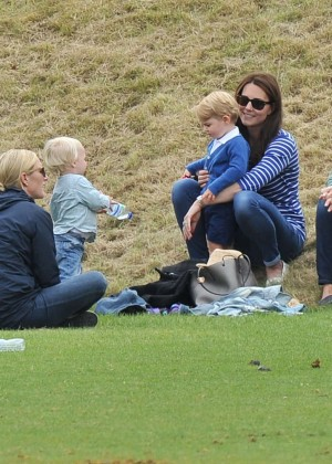 Kate Middleton Booty in Jeans -13