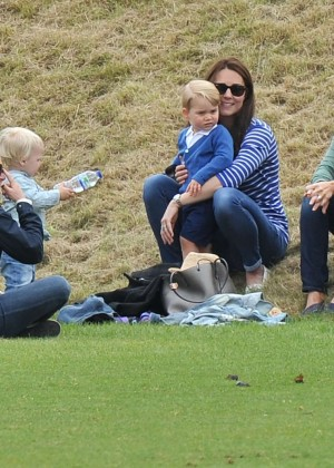 Kate Middleton Booty in Jeans -20