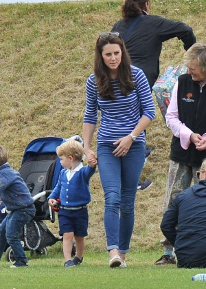 Kate Middleton Booty in Jeans -23
