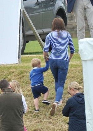 Kate Middleton Booty in Jeans -24