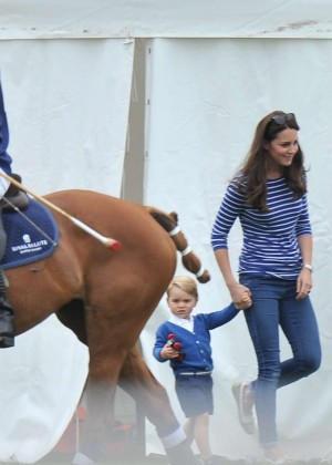 Kate Middleton Booty in Jeans -25