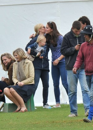 Kate Middleton Booty in Jeans -33