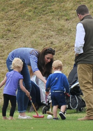 Kate Middleton Booty in Jeans -37