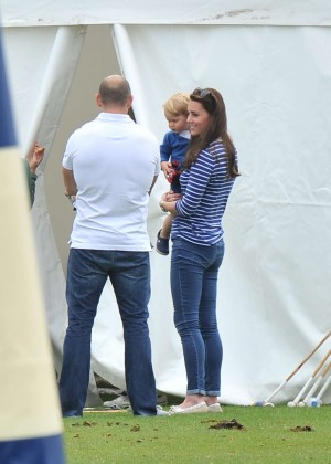 Kate Middleton Booty in Jeans -38