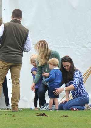 Kate Middleton Booty in Jeans -39